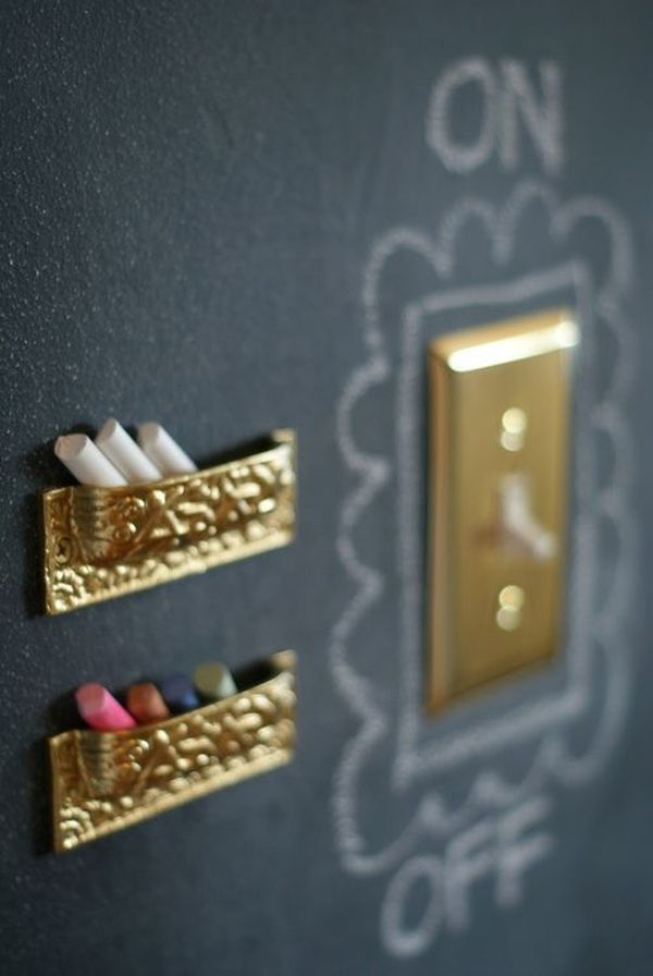 chalkboard-paint-around-light-switch