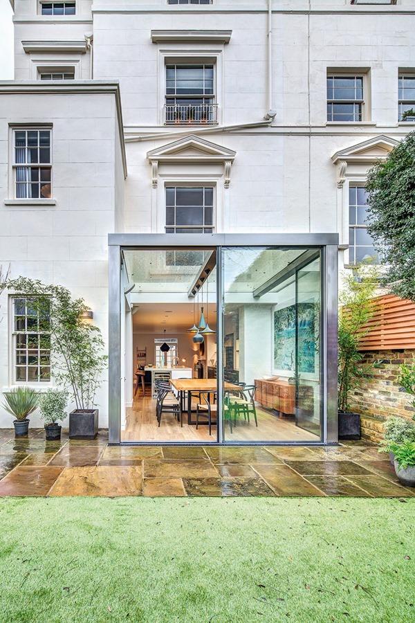 家族と一緒に暮らしたい!元気をもらえる理想的な家-A Cheerful House