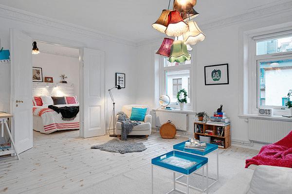 絶妙な色使い!カラフルなのに白基調で明るくカワイイお部屋 – Bright Apartment in Vasastan