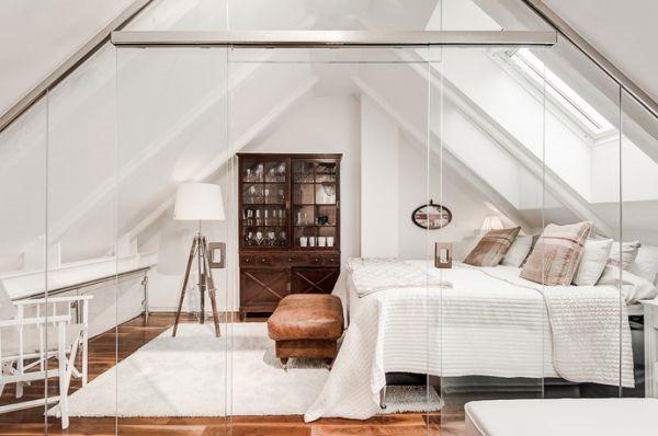 スカートの中が丸見え!?木とガラスの屋根裏アパート-Lovely Swedish Attic Apartment