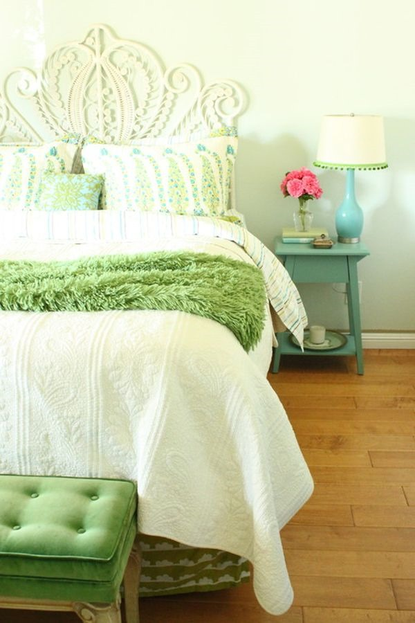 rustic-bedroom-green-bedding-accents