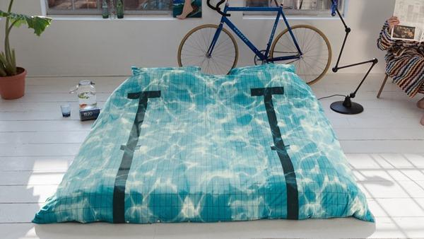 夏本番に向けて!見た目が涼しいプールのベッドカバー -Pool Bedding