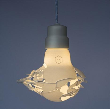 ガシャーン!割れた瞬間を捉えた電球インテリア-Breaking Bulbs