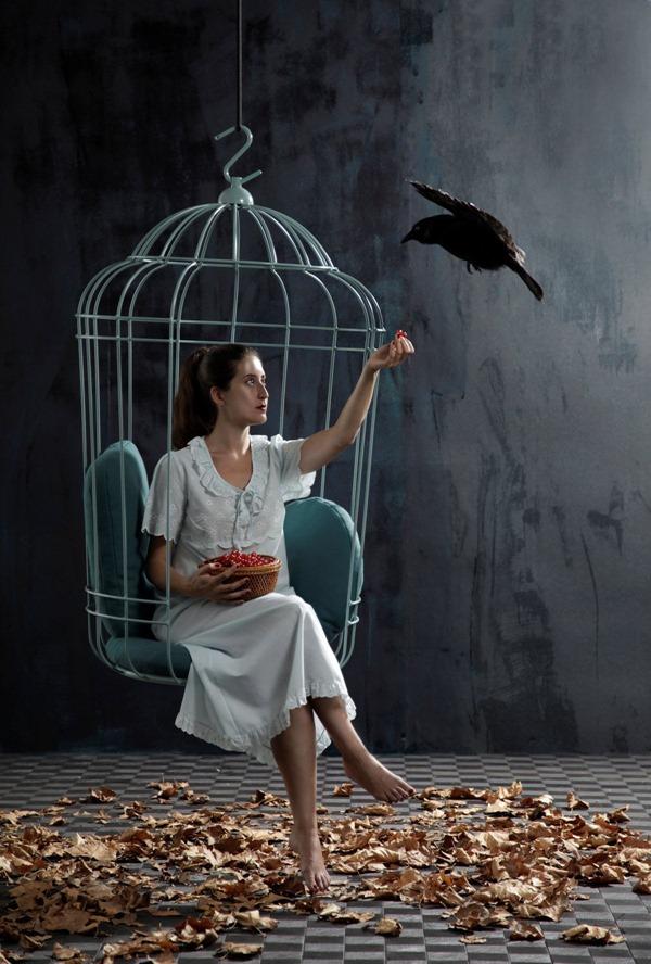 気分は檻の中の小鳥!一度は座ってみたい鳥かごの椅子-Cageling