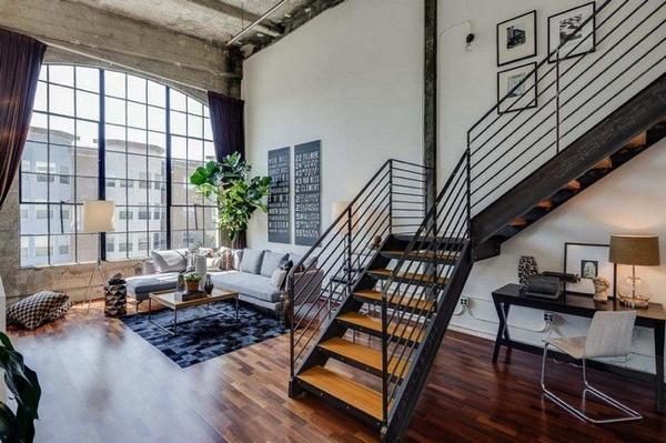 大きな窓が圧倒的存在感!サンフランシスコのロフトアパート−Conversion Loft