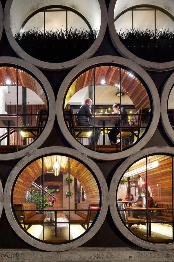 遊び心満載の大きな円窓!食事に行きたいメルボルンのレストラン−Prahran Hotel II