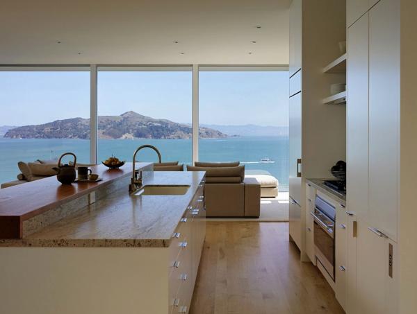 セレブ気分!カリフォルニアの海を一望できる家