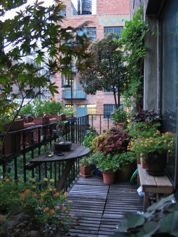 apartment-balcony