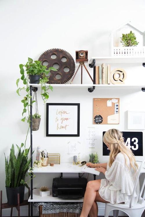 spring-desk