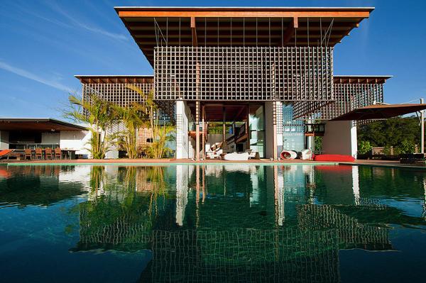 開放的!サンパウロのプール付き豪邸が美しすぎる!