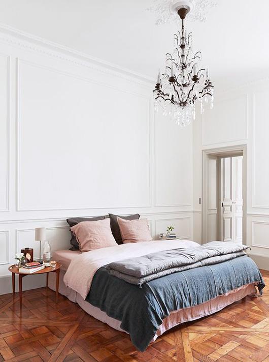 2016年カラーをおさらい!パントントレンドカラーの寝室コーディネート